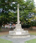 Epping war memorial © Epping Town Council, 2011